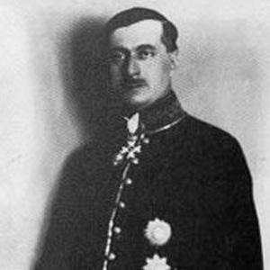 Poet Jovan Ducic - age: 149