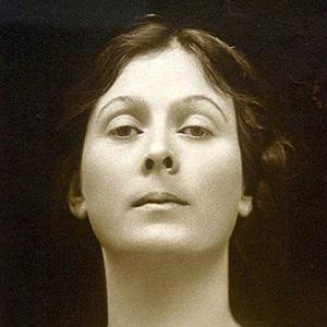 Choreographer Isadora Duncan - age: 50