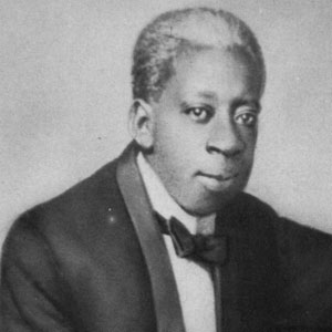 Pianist Tony Jackson - age: 38