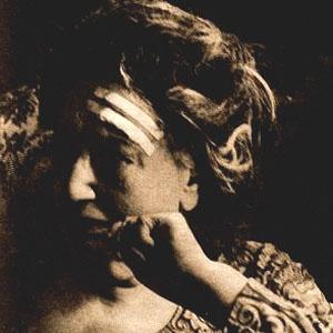 Poet Juana de Ibarbourou - age: 87