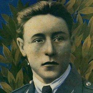 Pilot Gabriel Guerin - age: 25