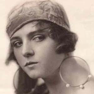 Movie actress Olive Thomas - age: 25