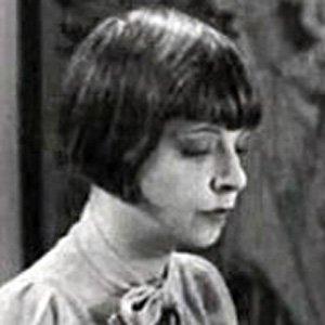 Screenwriter Vina Delmar - age: 86