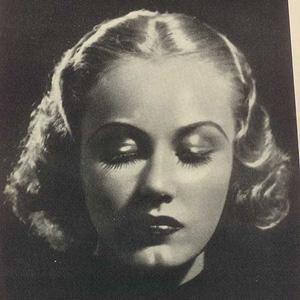 Movie actress Fay Wray - age: 96
