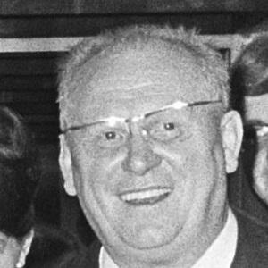 Movie Actor Gert Frobe - age: 75