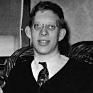 Robert Wadlow - age: 22