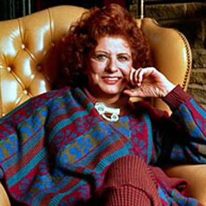 Soap Opera Actress Pat Phoenix - age: 62