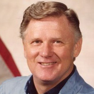 Astronaut Don Lind - age: 90