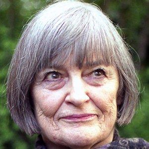 Movie actress Vivian Pickles - age: 86