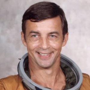 Astronaut Donald H Peterson - age: 83