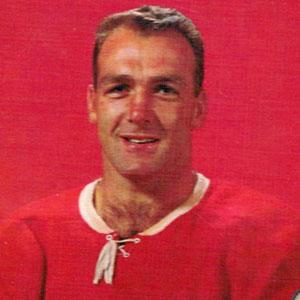 Hockey player Henri Richard - age: 84