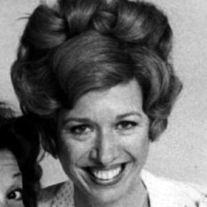TV Actress Polly Holliday - age: 79