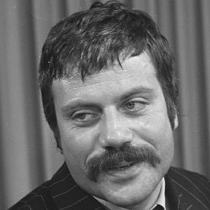 Movie Actor Oliver Reed - age: 61