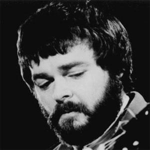 Guitarist Mason Williams - age: 78