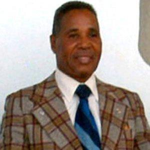 Boxer Ismael Laguna - age: 77