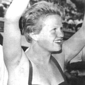 Diver Ingrid Kramer - age: 77