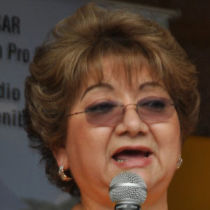 Doctor Vicky Guzman - age: 72