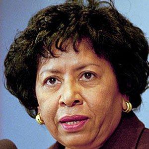 Teacher Ruth Simmons - age: 71