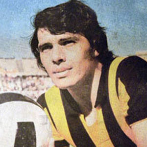 Soccer Player Elias Figueroa - age: 70