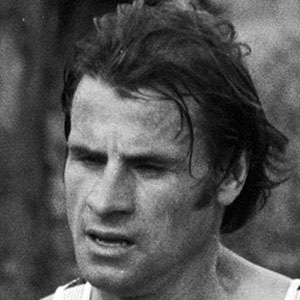 Runner Carlos Lopes - age: 73