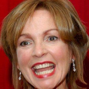 TV Actress Melanie Chartoff - age: 68