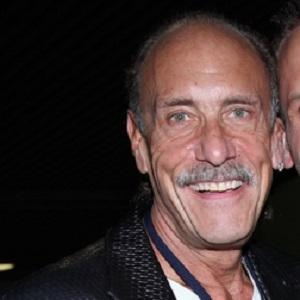 Reality Star Les Gold - age: 67
