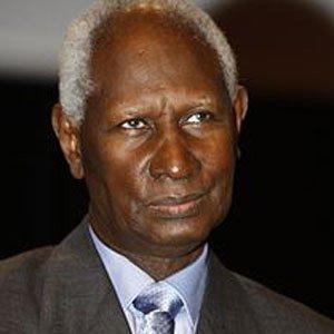 Politician Abdou Diouf - age: 67