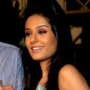 Movie actress Amrita Singh - age: 62