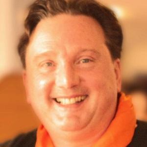 Movie Actor Derek Lyons - age: 62