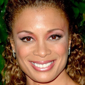 TV Actress Valarie Pettiford - age: 56