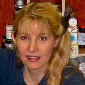 Painter Tina Mion - age: 56