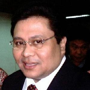 Politician Jinggoy Estrada - age: 57