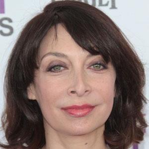 Movie actress Illeana Douglas - age: 56