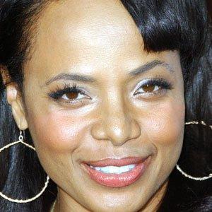 TV Actress Gina Ravera - age: 54