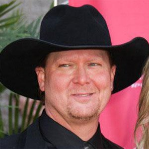 Country Singer Tracy Lawrence - age: 52