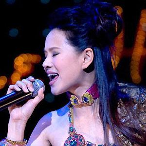 Pop Singer Annie Yi - age: 51