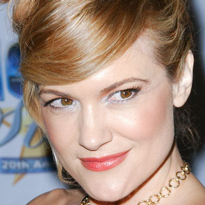 TV Actress Victoria Pratt - age: 46