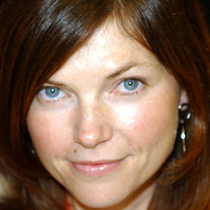 TV Actress Nicole de Boer - age: 46