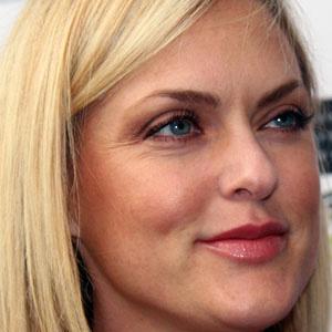 TV Actress Elaine Hendrix - age: 50