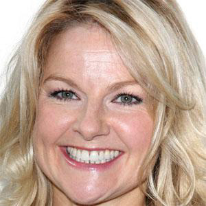 TV Actress Sarah Hadland - age: 49