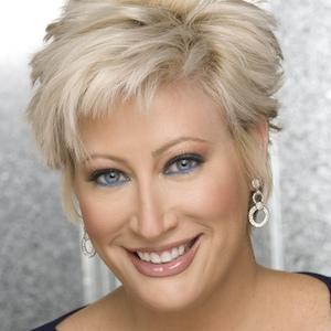 TV Show Host Kim Gravel - age: 49