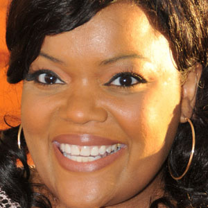 TV Actress Yvette Nicole Brown - age: 46