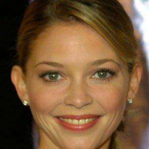TV Actress Amanda Detmer - age: 49