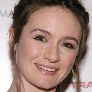 Movie actress Emily Mortimer - age: 49