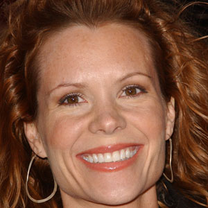 TV Actress Robyn Lively - age: 48