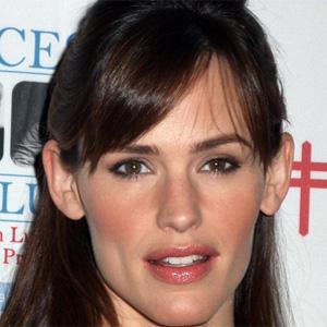 TV Actress Jennifer Garner - age: 45