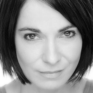 Movie actress Nia Roberts - age: 44