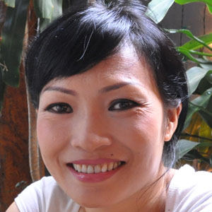 Pop Singer Phuong Thanh - age: 48