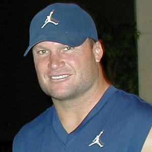 Football player Zach Thomas - age: 47
