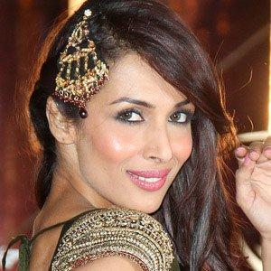 Dancer Malaika Arora - age: 43
